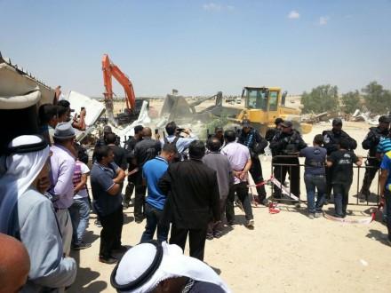 Demolition of the new mosque in Al-Arakib, 12 June 2014