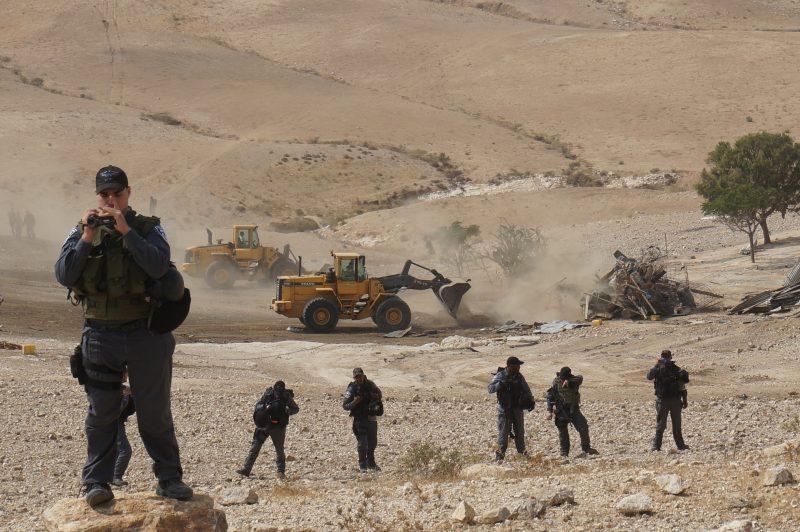house-demolition-in-the-gawain---al-atrash---04082015_23786178210_o